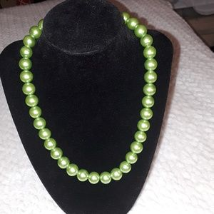LIME  GREEN PEARL NECKLACE AND BRACELET